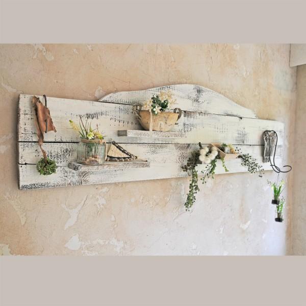 Langes Wandboard im Vintage-Style
